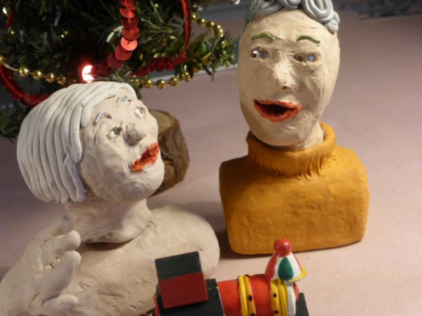 plasticine heads and christmas decor